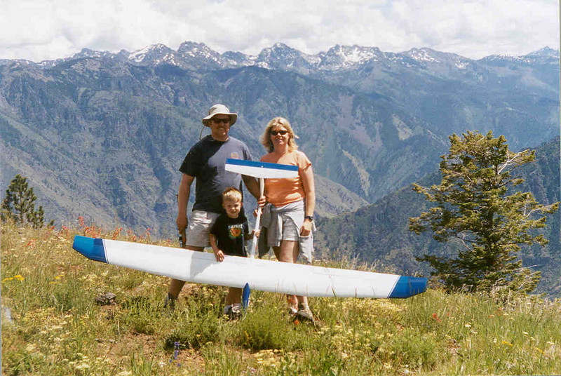 At flying site above Hell's Canyon on the 4th of july 2004.  I had only been flying the Legend Sailplane since spring and the air here (Memaloose OR) was killer!  This could be one of my absolute favorite family pictures
