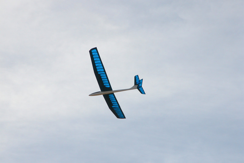 Airtronics 100 inch Sagitta 900 in flight.  Photo by Mike Goldston