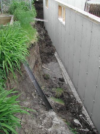 Side yard flood damage 070605