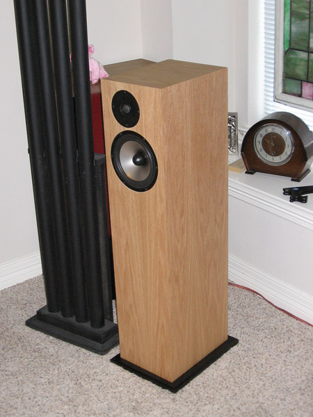"""Zaph Audio two-way floorstander using 7"""" Seas L-18 aluminum cone woofer and alloy dome tweeter. Veneered in natural red oak."""