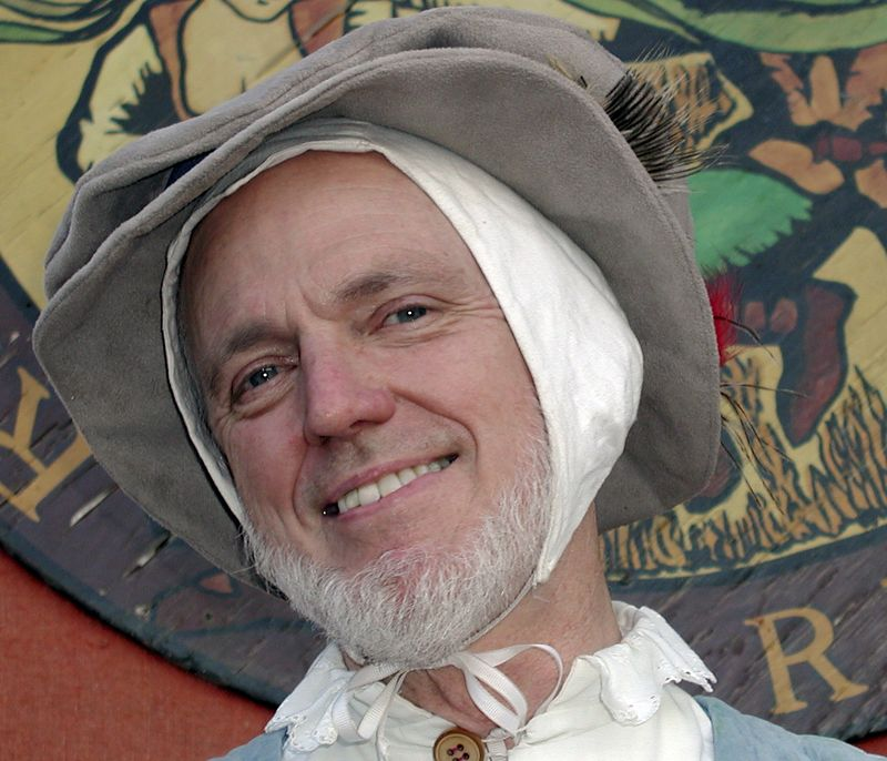 Faux leather flatcap and biggins cap for Pat, made in 2003 for the Renaissance Faire.  His legacy flowerpot-shaped  felt had to go (he was under new costuming management).  It worked -- upon entered the SoCal Faire, we were instantly invited to join a very good madrigal group!