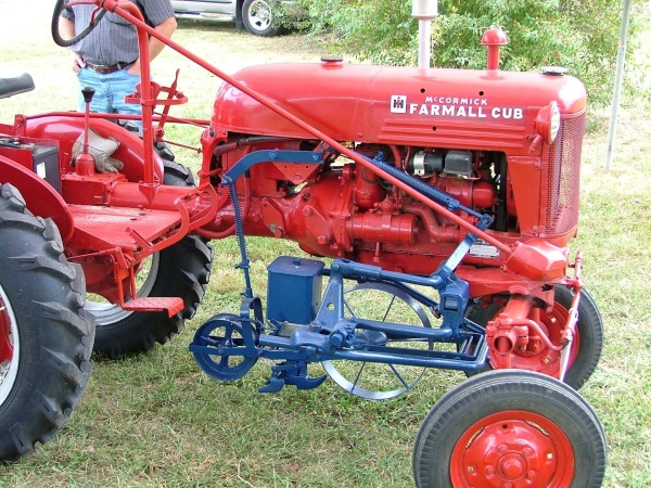 Farmall Cub, circa 1948, fitted with a Planet Jr. vegetable planter owned by Jim Becker. Uploaded from farmallcub.com website.