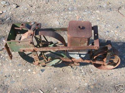 Planet Jr. 300 seeder for sale on ebay. Could be mounted on Cub's Universal Mounting Frame.