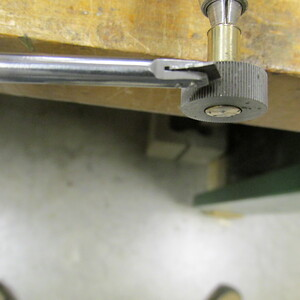 Close up of blade and knurl.
