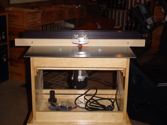 New Veritas router table - steel top + plywood kit to fit - also added a new Porter-Cable 892 router - great combo!