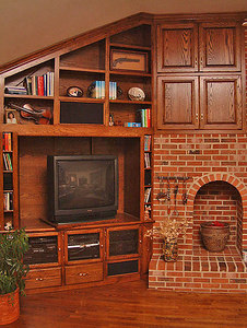Final completed entertainment center (shown here with the old TV).
