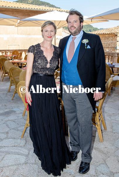 https://photos.smugmug.com/Hochzeit-Joachim-Prinz-von-Preu%C3%9Fen-und-Angelina-Gr%C3%A4fin-zu/i-bjNGRJd/2/09963929/L/190629%20RPE%20_%2043434-L.jpg