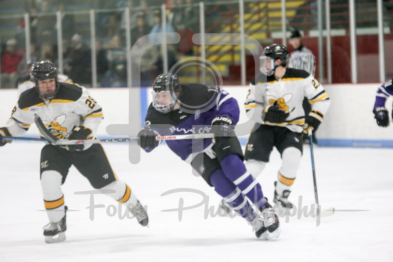 Holy Cross Crusaders forward Scott Pooley (12)