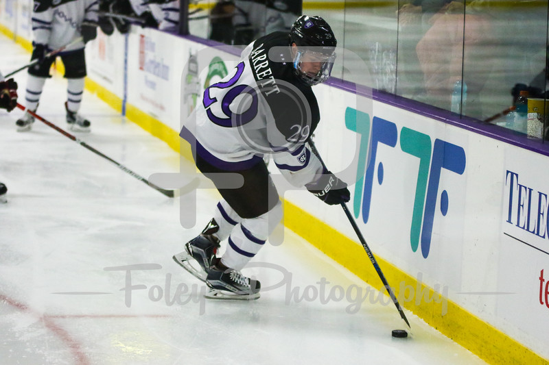 Holy Cross Crusaders forward Mike Barrett (29)