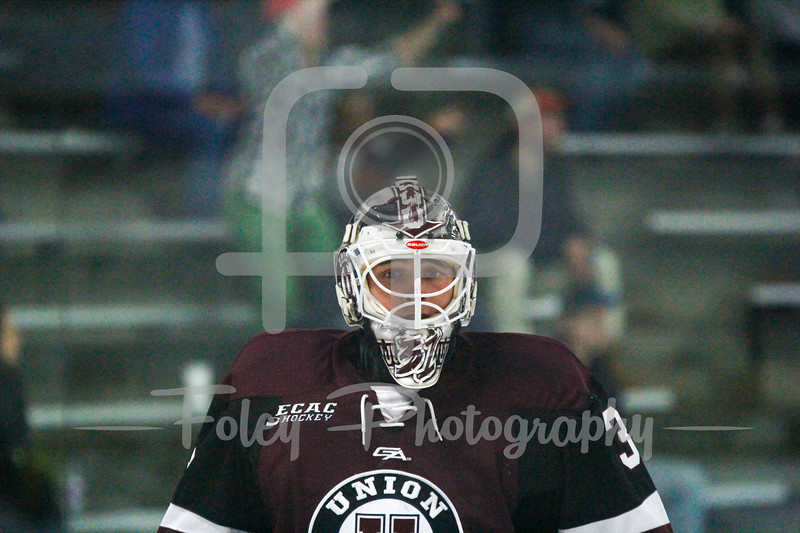 Union Dutchmen goalie Jake Kupsky (31)