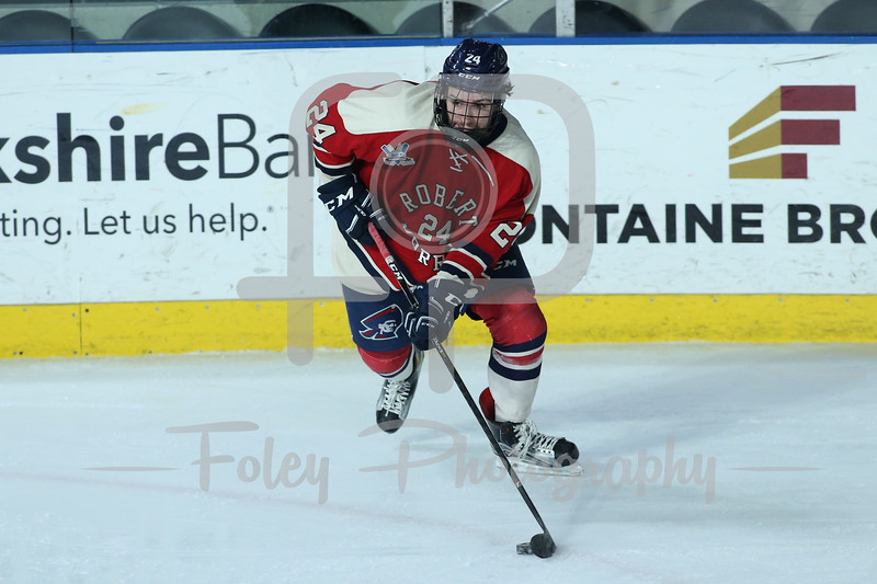 Robert Morris Colonials forward Alex Tonge (24)