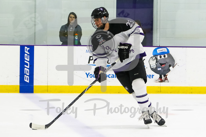 Holy Cross Crusaders forward Ryan Ferrill (23)