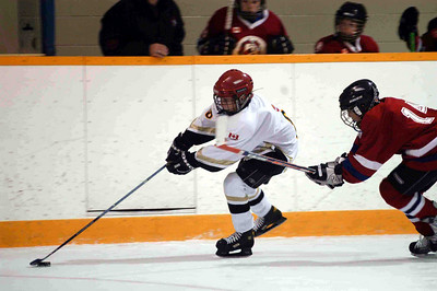 This 6 frame sequence shows Owen's speed to beat the defenseman and then the goalie