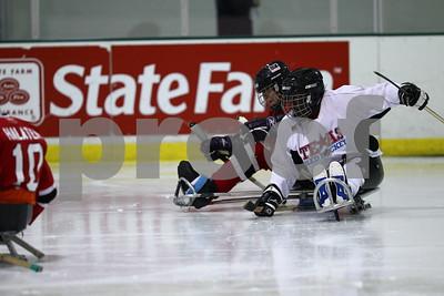 0414-1840-FB-TexasSledHockey-GLASAFalcons