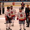 Örebro Hockeyklubb tackar supportrar efter matchen