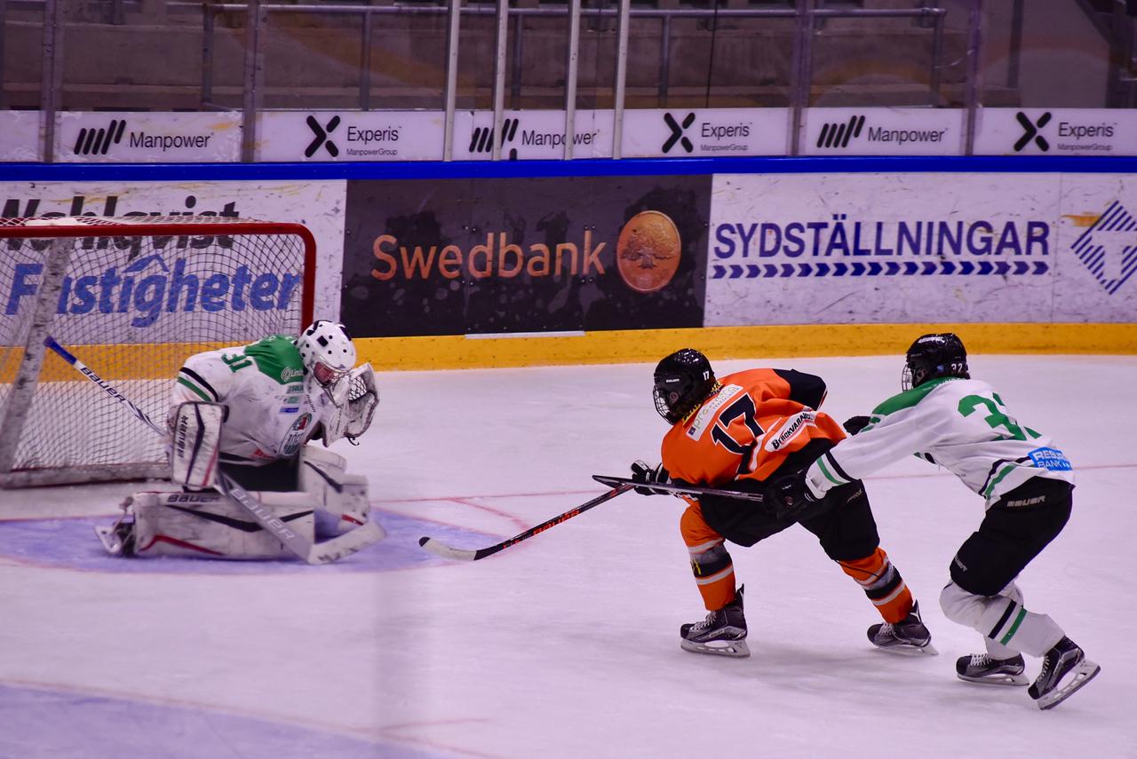 #31 Isak Ragnevad, #17 Alex Lind