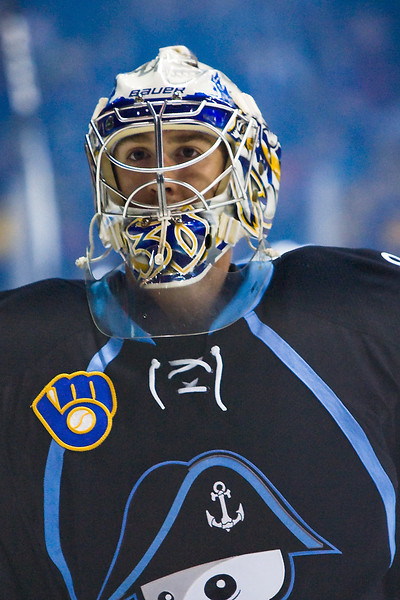 Admirals goaltender Jeremy Smith
