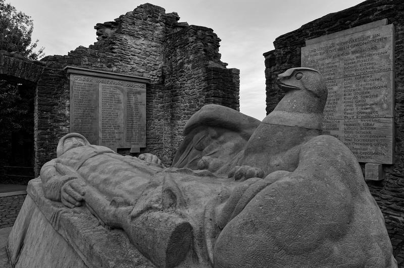 War memorial amid the ruins of Hohensyburg (b/w)