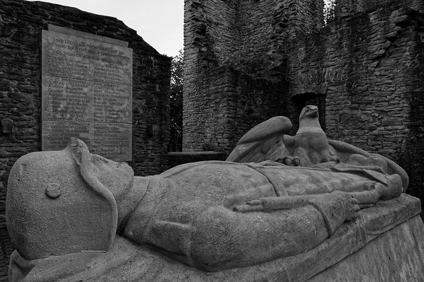 The fallen soldier, guarded by the eagle (b/w)