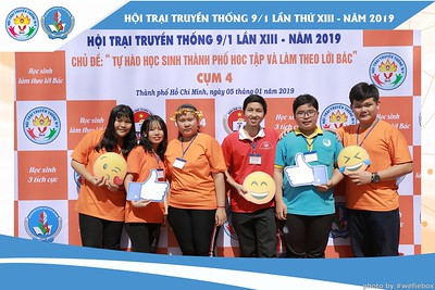 Hoi-Trai-Truyen-Thong-Cum-4-Photobooth-in-BinhChanh-HoChiMinhCity-Chup-hinh-in-anh-lay-lien-su-kien-tai-Saigon-WefieBox-Photobooth-Vietnam-008