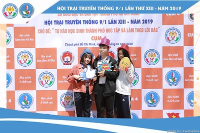 Hoi-Trai-Truyen-Thong-Cum-4-Photobooth-in-BinhChanh-HoChiMinhCity-Chup-hinh-in-anh-lay-lien-su-kien-tai-Saigon-WefieBox-Photobooth-Vietnam-003