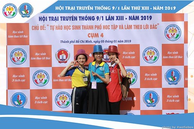 Hoi-Trai-Truyen-Thong-Cum-4-Photobooth-in-BinhChanh-HoChiMinhCity-Chup-hinh-in-anh-lay-lien-su-kien-tai-Saigon-WefieBox-Photobooth-Vietnam-020