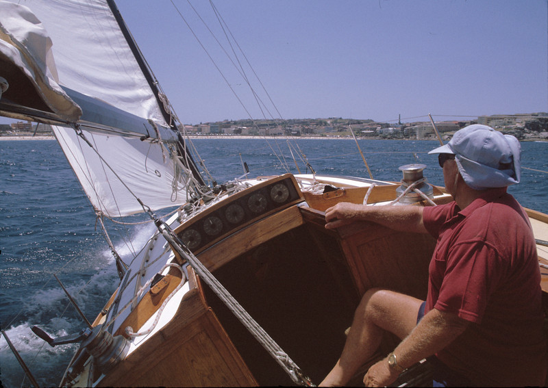 GWP. Sailing Skylark from Botany Bay to Sydney Harbour. Joe Ward and Geoff Ward.19971228.