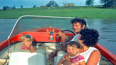 Harris family in Eric Burton's (Speed) boat Logan River. Speed was in army 2/14 QMI Wacol with Lofty