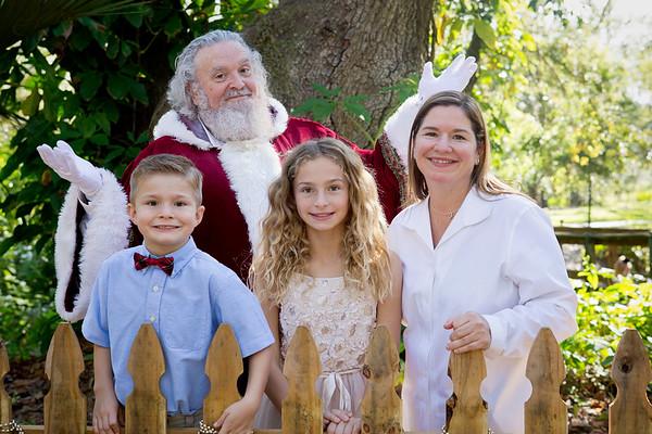 Santa Mini Sessions 2017: Chloe, Jack, and Santa!