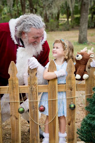 Santa Mini Sessions 2017: Nora and Santa!