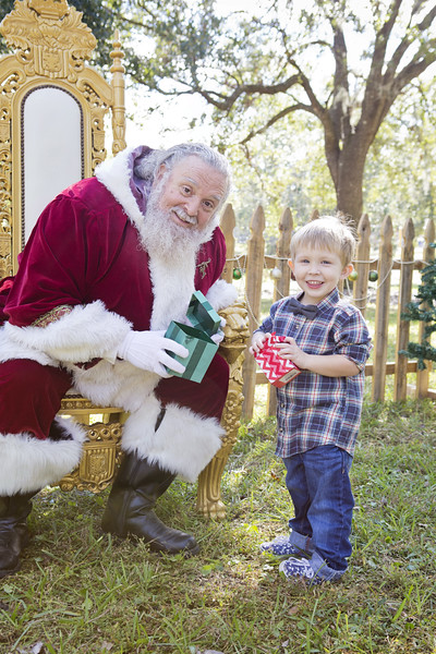 Santa Mini Sessions 2017: Ryker and Santa!