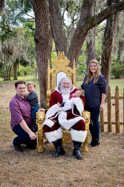 Santa Mini Sessions 2017: The Harris Family and Santa!