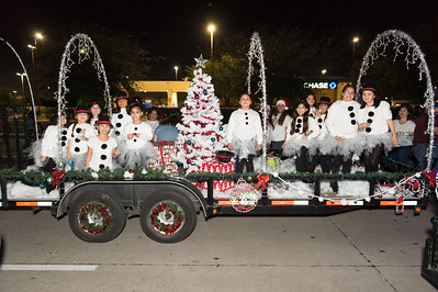 Holiday Lighted Parade_2018_002