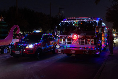 Holiday Lighted Parade_2019_001