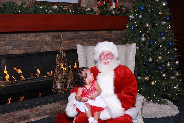 Red Feather 2017 - Pictures with Santa