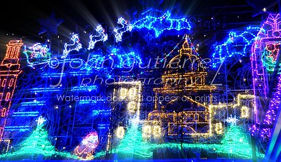 Mozarts Christmas Light Show