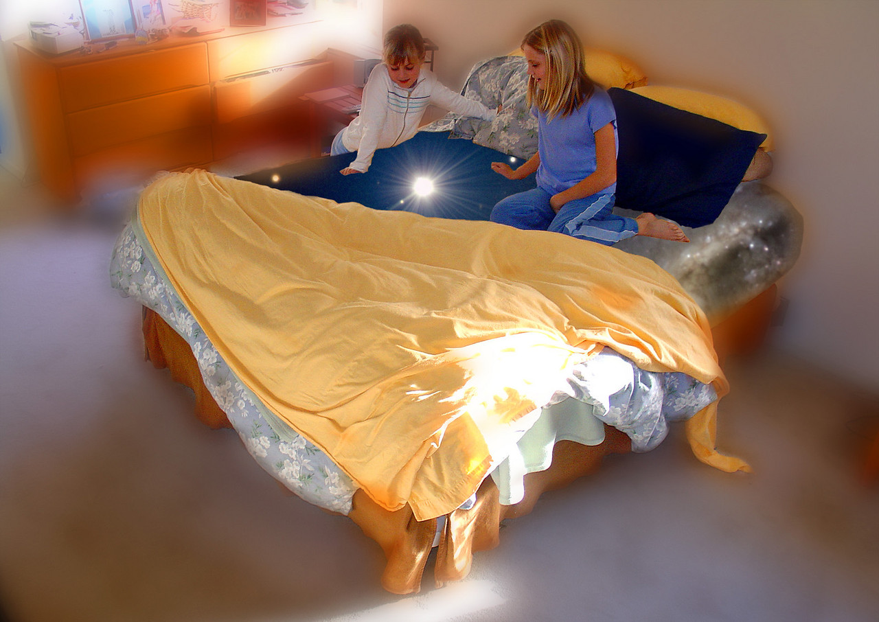 The girls discover the Starbed - and everything around them gets hazy as they begin to travel backwards through time.