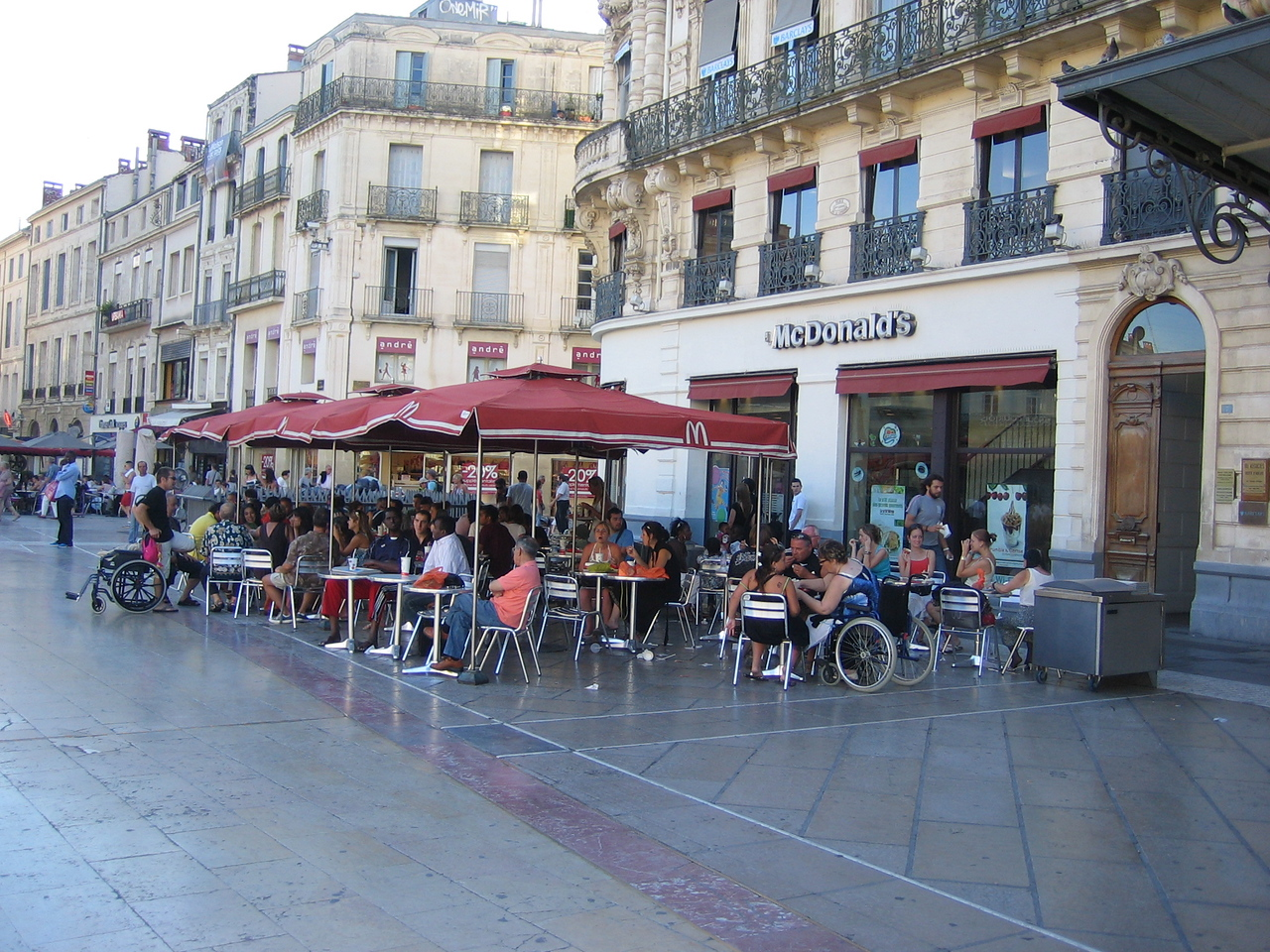 Even McDonalds has an outdoor patio that blends in with the rest of the restaurants on the square. Location - Montpellier