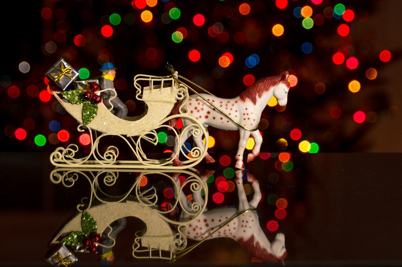 HolidayFigures-15.jpg