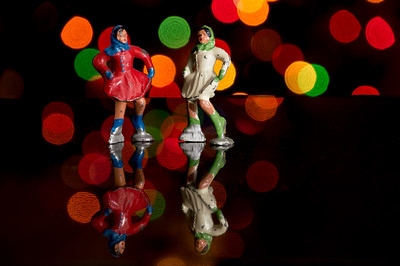 HolidayFigures-10.jpg