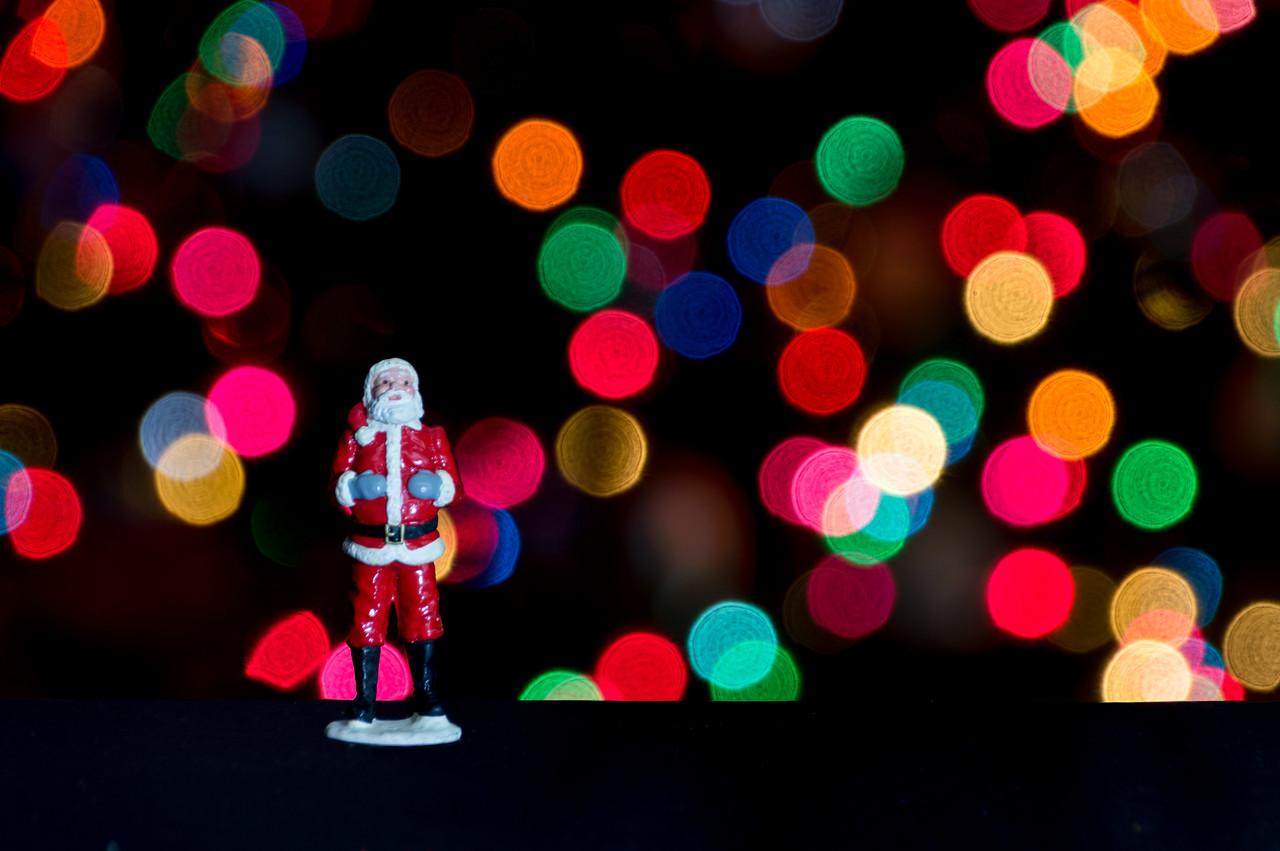 HolidayFigures-21-Edit.jpg