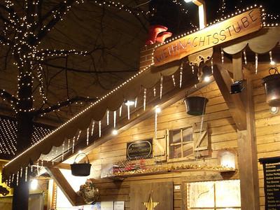 Weinachtsmarkt in Barfusselplatz, Basel.