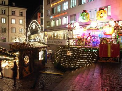 The bigger Weinachtsmarkt in Barfusselplatz, Basel.