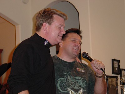 Chris & Harry sing some BTO - seems Harry may be a mike hog!