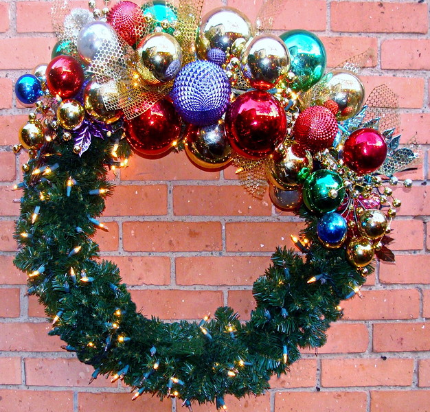 Holiday Ornaments Wreath