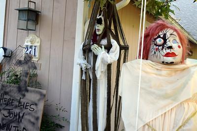 2014 Halloween Bovaween at the BooOOoo-va house (7)