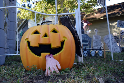 2014 Halloween Bovaween at the BooOOoo-va house (12)