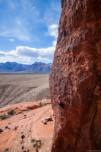 Cath crushing on Cut loose 5.11a, Stratocaster Wall, Red Rocks