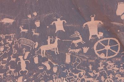 Petroglyphs at the start of Indian creek
