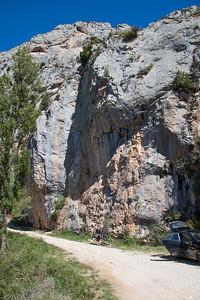 Road side cragging in Abella